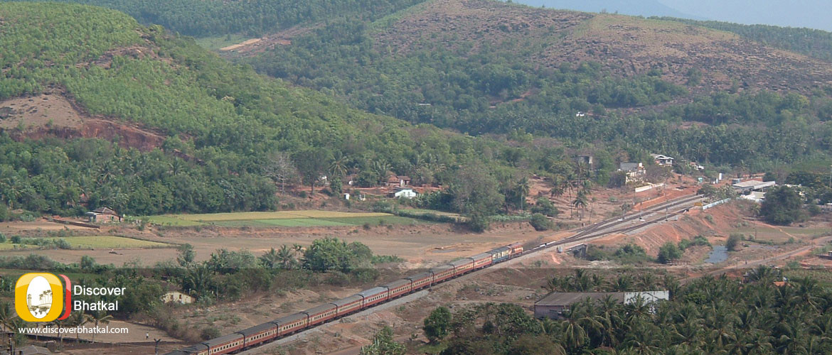 Train Passing Bhatkal Railway Station